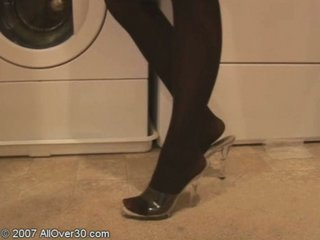 red-haired milf erin playing on the washing