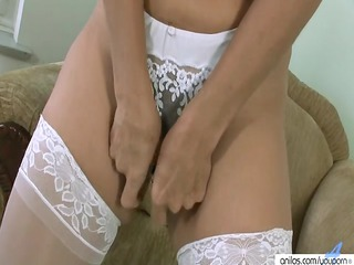 older vibrator kitty masturbation