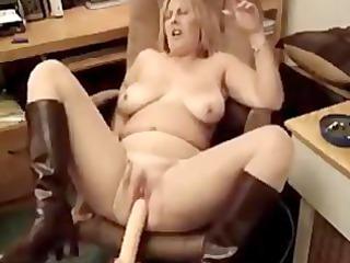 awesome fat cougar babe smoking 2