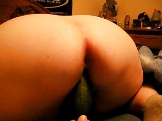 mature bbw housewife fucking a giant cucumber