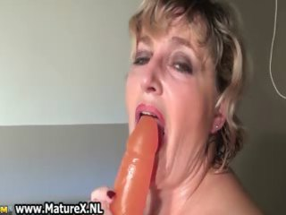 busty mature lady putting on a awesome part6
