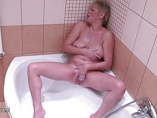 mature wife pleasing with her juicy pussy