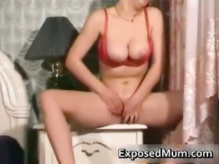 knockers mum pushing vibrator after doing her