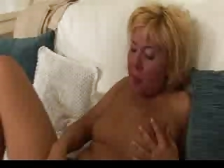 old and amateur lesbian