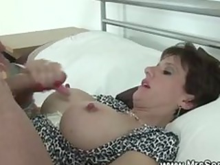 cuckolds slut gobbles penis