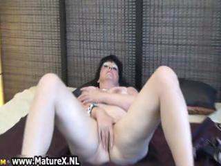 mature angel spreads her shaved kitty
