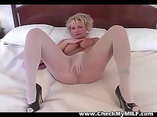 blonde milf inside stockings rubbing gap
