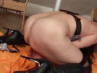 cougar girl masturbation