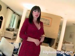 beautiful woman introduces herself