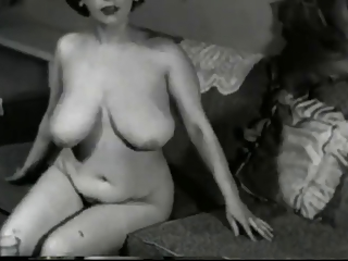 busty vintage mature babe