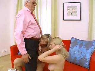 italian mature guy receives sucked off