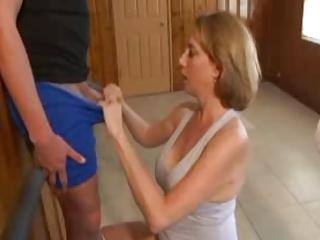 cougar handjob with astonishing sperm 1