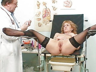 skinny cougar lady gyno clinic exam by busty