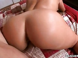 lusty tanned momma claudia valentine gets a pop