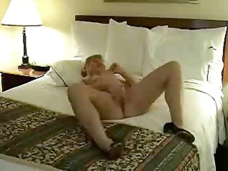amature grown-up pushing dildo on berth