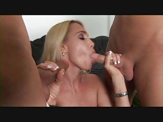 albino milf adores 3some