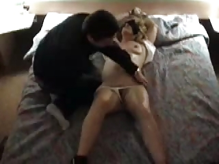 man lets stranger use housewife tied and