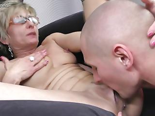 elderly cougar girl gets pierced by her toyboy