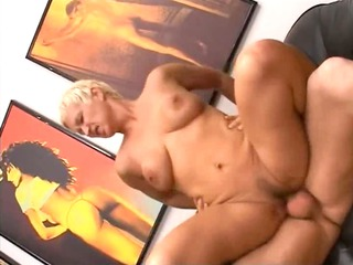 blondie grown-up having pussy fisted hard