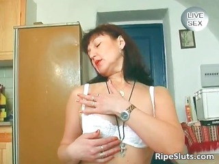 naughty mature brunette drill her juicy part1