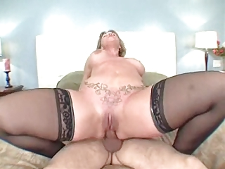 large arse mommy loves the butt fuck