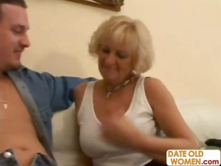 elderly demonstrate her oral for young cumshots